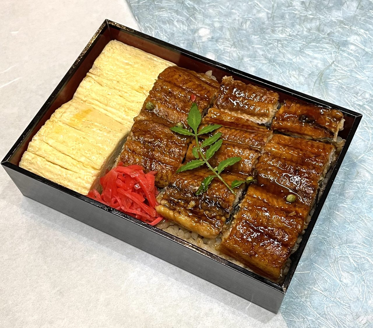 うな玉重(ふっくら煮焼き鰻とだし巻き玉子) 2,250円