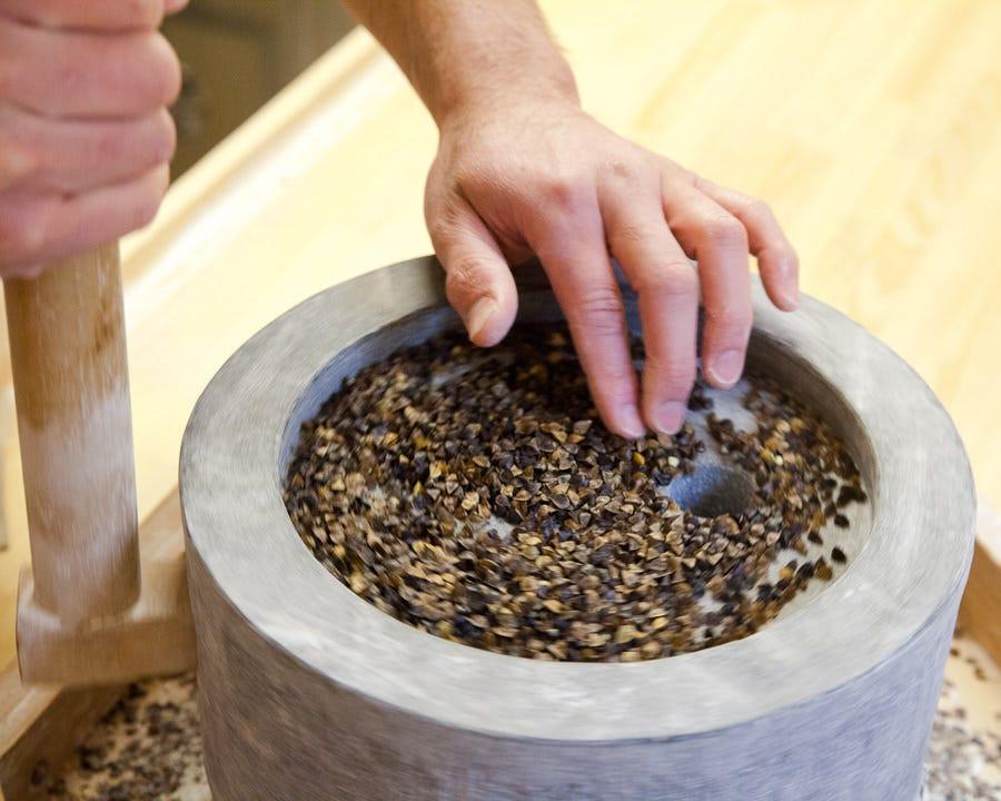 蕎麦は有機栽培で育まれたものを使用