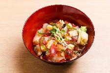 寿司屋のまかないちらし丼 味噌汁付