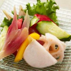 旬の生野菜の盛り合わせ