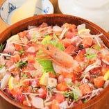 季節限定など多彩なランチ自慢♪人気の海鮮桶盛りひつまぶしも…