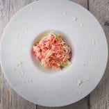 「蟹の前菜」丸ごとアボガドを使った蟹のサラダ!