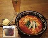 C ☆高級化粧箱お土産付き☆トマトラーメン+生ビール+〆のアイス+(お土産冷凍トマトラーメン)セット