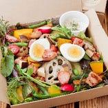 【サラダBOX】厚切りコロコロベーコン&自家農園サラダ
