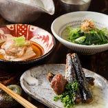 単品料理で人気の『梅サーディン』などもコースで堪能できます