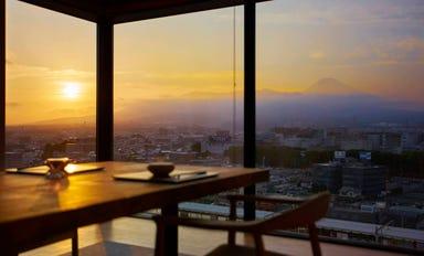 ROBATA GRILL 炉L'EAU/富士山三島東急ホテル  店内の画像