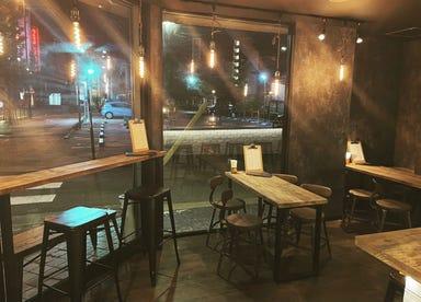 HELM BAR&DININGSPACE  店内の画像