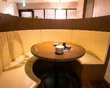 当店一番人気のラウンドソファ席です3名様~お使いいただけます。