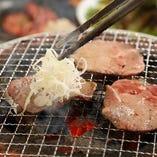 お肉の美味しい部位に舌鼓できる多彩なコース