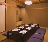 掘りごたつ式のお座敷個室(8〜10名)