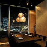 梅田駅前で夜景を臨む個室居酒屋!