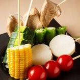 【本日のおすすめ】 国産野菜のみを使用した「野菜串」をご提供