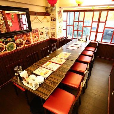 創業60年の名物餃子×食べ放題 ミンミン 浜松町店 店内の画像