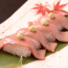 山形牛炙り牛寿司