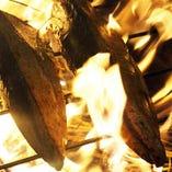 火柱舞う圧巻の迫力!! 藁の芳香な香りが絶品です!