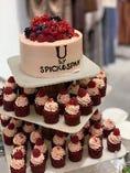結婚式2次会・企業様のパーティー・バースデーパーティー等、お客様のご要望に合わせてオリジナルのケーキをご用意致します!詳しくはスタッフまでお尋ねください!