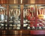 牛と豚のいろいろな部位を毎日数種類提供しております。