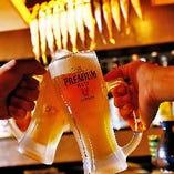 飲み放題のビールはプレモル!約75品のドリンクが楽しめます。