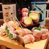 色鮮やかな串物は、味も見栄えもGOOD!レモンサワーとの相性抜群