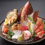 自慢の鮮魚に「舌鼓」漁港直送!今宵も美味しいお魚ございます。