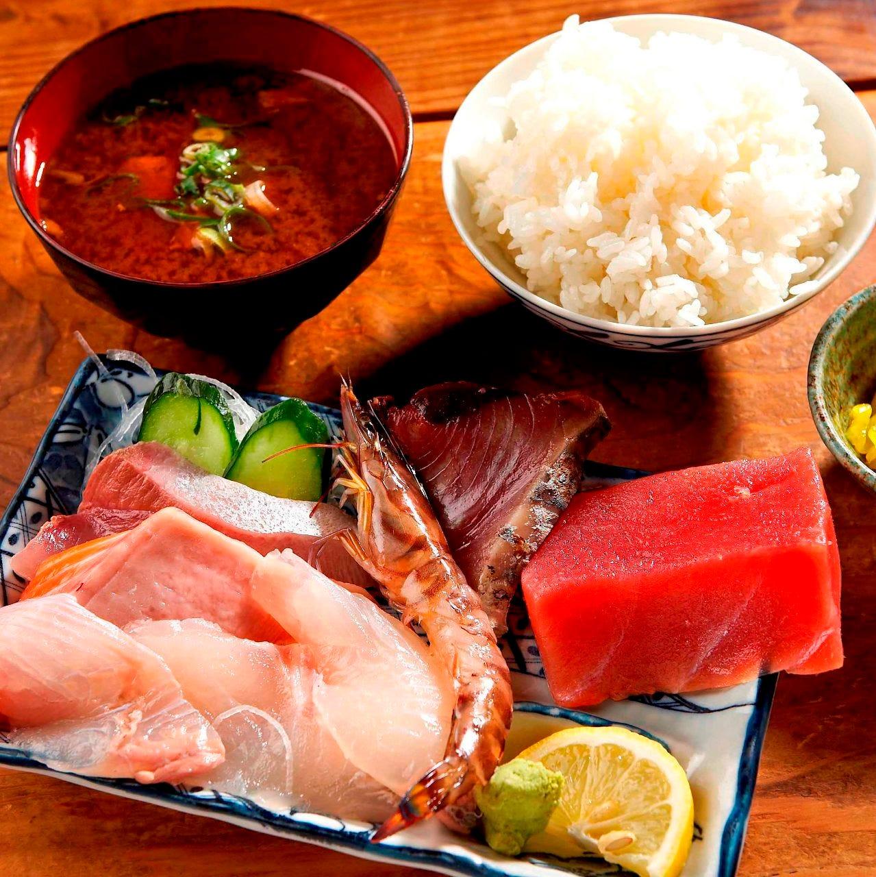 新鮮魚介がてんこ盛りです。