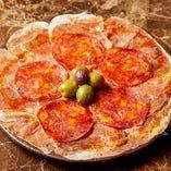 スペイン産ハモンセラーノとイベリコサラミ