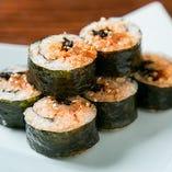 韓国海苔巻き(キムパ)具だくさん ごま油風味の韓国海苔巻き 牛カルビ入り