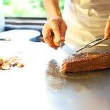 お昼から贅沢に本格鉄板焼きステーキはいかがでしょうか