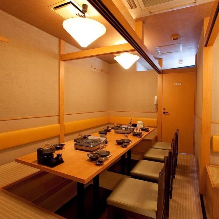 2名様~30名様用、テーブル&掘りごたつの大中小個室をご用意