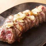 産直!専門の職人達が丁寧に調理している豪快肉料理です!!