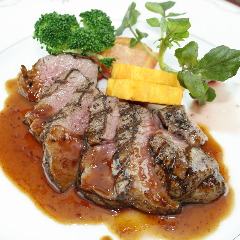 ◆仔牛ヒレ肉のグリル ~ローストガーリックソース~