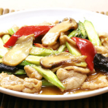 松茸、アスパラ炒めのフカヒレ入りソース仕立て