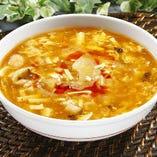 フカヒレ入り酸辣湯(スーラータン)麺