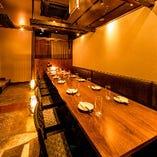 少人数様からご利用可能な個室席を完備。宴会や飲み会に◎
