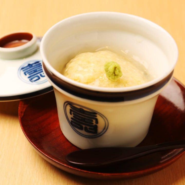 やわらかな香りや優しい味を感じられる茶碗蒸しはこだわりの逸品