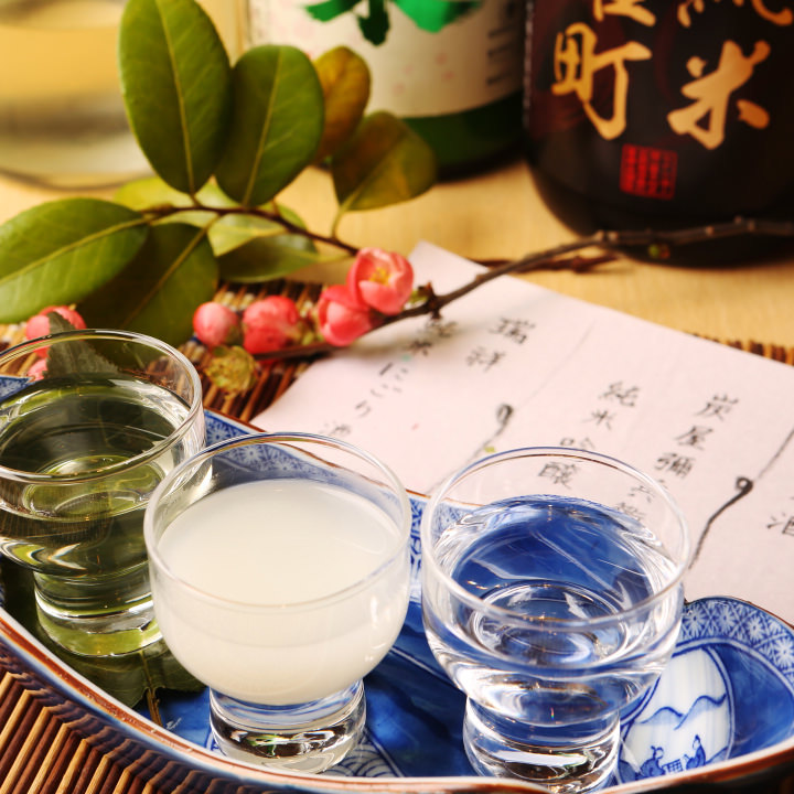 大将のおすすめきき酒セットは季節や料理に合わせ日本酒を厳選