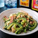 本場沖縄の定番料理をリーズナブルな価格でご提供します