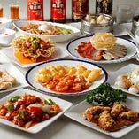 餃子&手羽先をはじめ海老料理などを味わう「Bコース」は接待にも最適