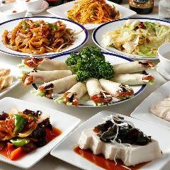 大型個室中華料理レストラン 餃子酒場 船橋店