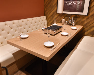 ラム料理 羊肉専門店 辰 池袋南口店 店内の画像