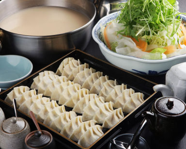 餃子鍋 A-chan(あーちゃん)北新地  コースの画像