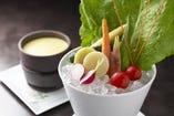 朝摘み野菜のバーニャカウダ