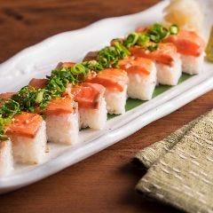 炙りサーモン箱寿司