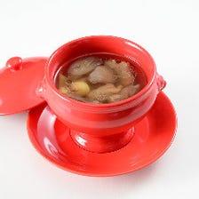レンコンとイベリコ豚スペアリブのスープ