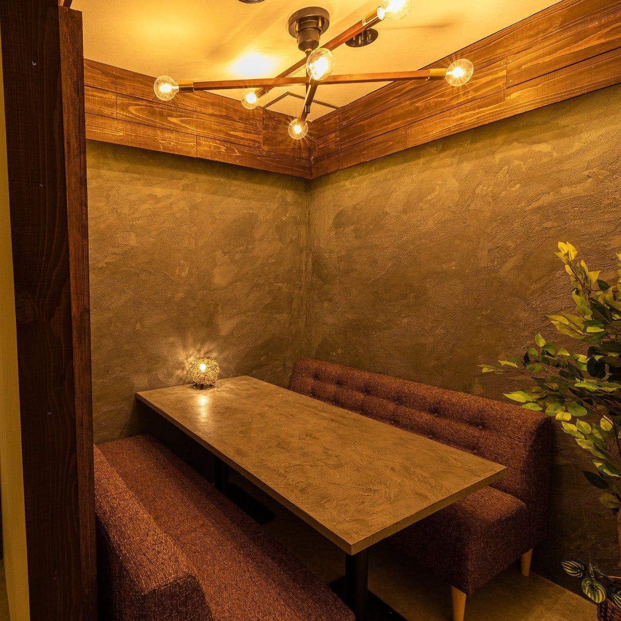 6名様まで利用可能な個室完備