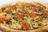タパス、選べるピザ、パーティーサイズの大皿料理