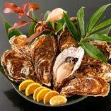 クリーミーな旨みが際立つ北海道釧路町仙鳳趾の生牡蠣【北海道】