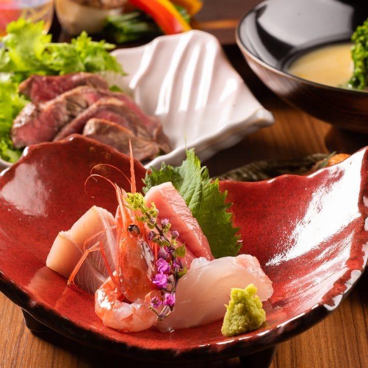 鮮魚の「お造り」をはじめ自慢の料理が揃ったコースをご用意