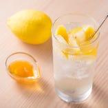 トレンドのレモンサワー、しっかりおさえてます!