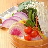 生えのきと有機野菜の桶盛り